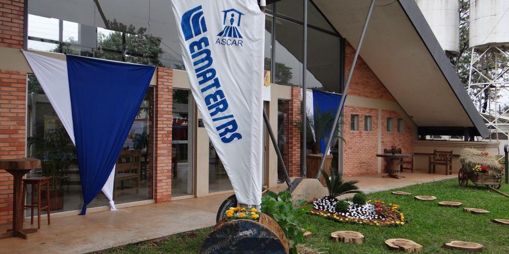 Visitantes Do Hortigranjeiros São Recepcionados Na Casa Da Emater/RS-Ascar