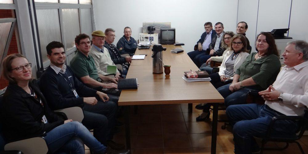 Comissão Do Hortigranjeiros Reúne-se Com Emater/RS Para Discutir Atrações