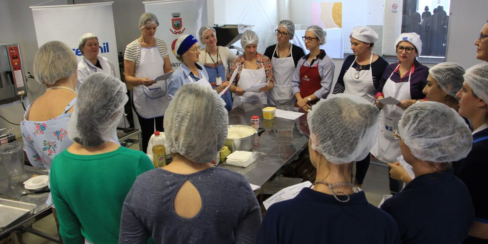 Receitas Saudáveis São Preparadas Na Cozinha Experimental Do 32º Hortigranjeiros