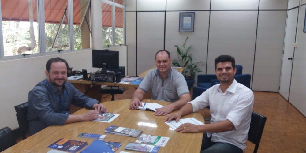Hortigranjeiros E Agência De Desenvolvimento Ratificam Parceria